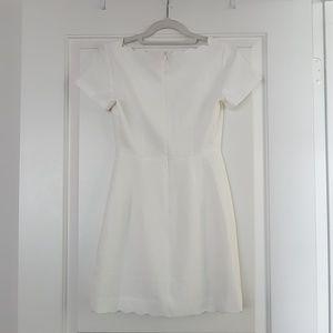 Club Monaco Dresses - NWT Club Monaco White Dress Size 00